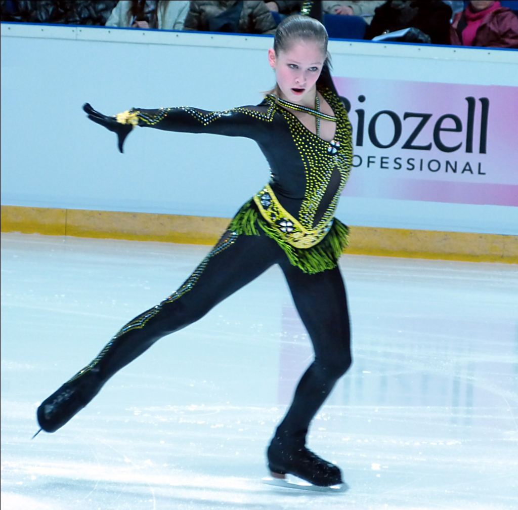 yulia-lipnitskaya-2012-finlandia-trophy