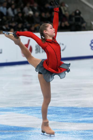 yulia-lipnitskaya-november-2013