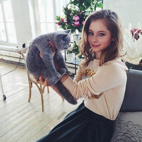 yulia-lipnitskaya-cat