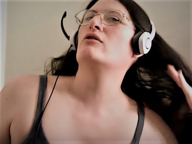 Hannah Wallen sexy honey badger mra